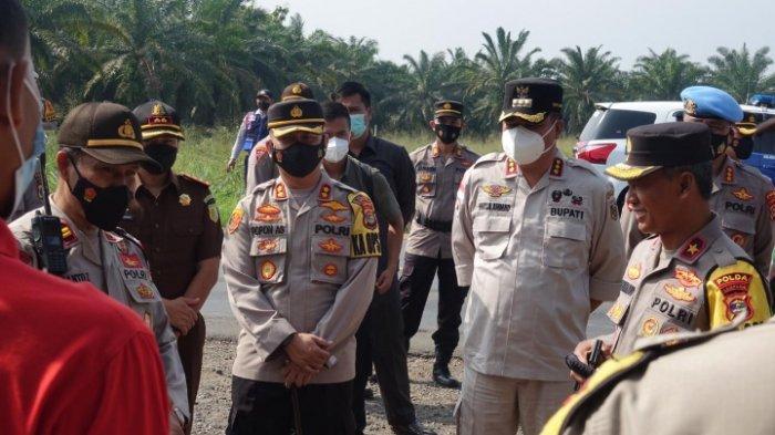 Wakapolda dan Bupati Musa Ahmad Pantau Pos Pengamanan Operasi Ketupat di Lampung Tengah