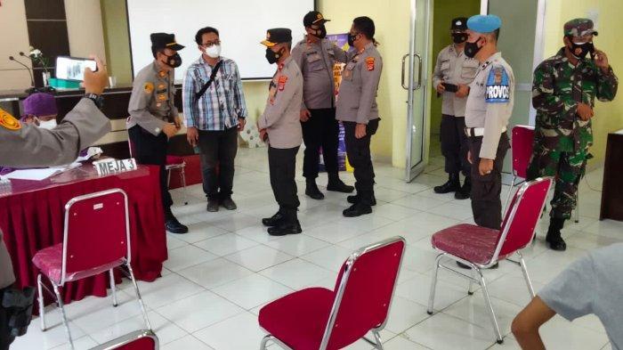 Wakapolda Lampung Pantau Vaksinasi Massal Covid-19 di Lampung Timur