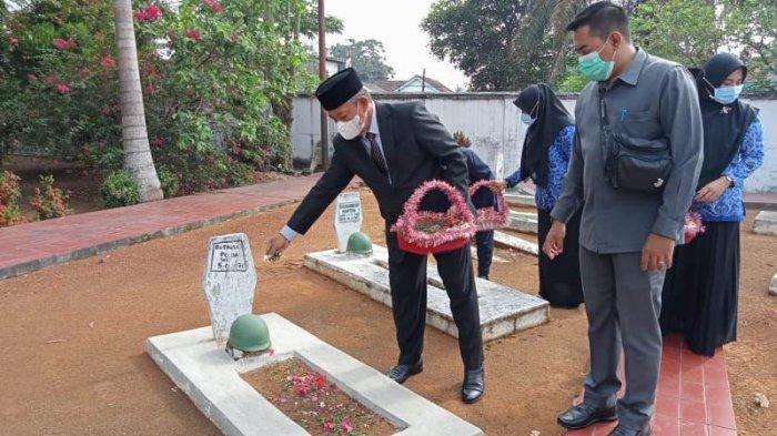 Peringati Hari Pahlawan, Pemkot Metro Ziarah dan Tabur Bunga ke TMP Kemala Nusantara