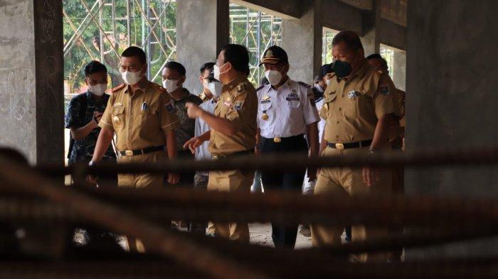 Wahdi Minta Pertokoan di Jalan Sudirman Metro Lampung Selesai Desember