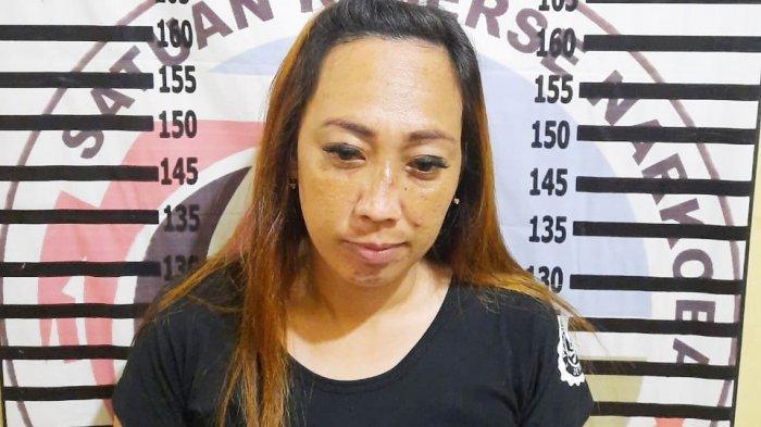 Wanita Diduga Bandar Sabu Ditangkap Polisi di Hotel Kawasan Menggala