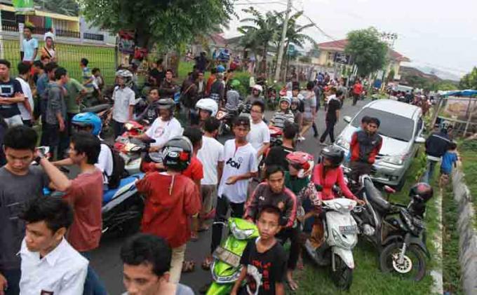 Sadisnya Begal di Lampung, Pengendara Motor Ditendang hingga Jatuh lalu Ditembak