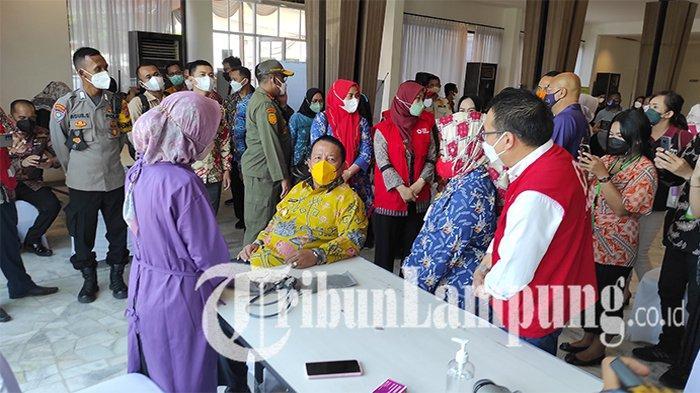 Gubernur Terus Berjuang Dapatkan Tambahan Vaksin untuk Warga Lampung