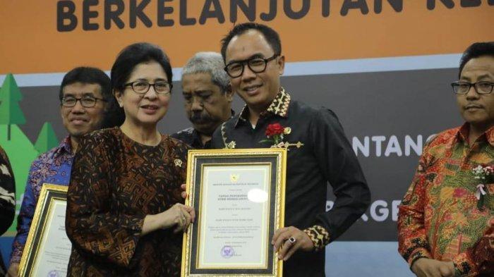 Way Kanan Raih Penghargaan STBM Award dari Menteri Kesehatan RI
