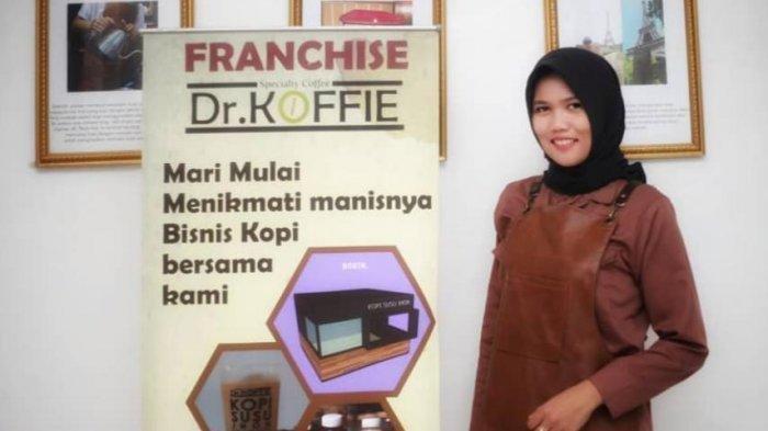 Kaya Inovasi, Pengusaha Lampung Yustinia Hadirkan Konsep Pantai ke DR Koffie
