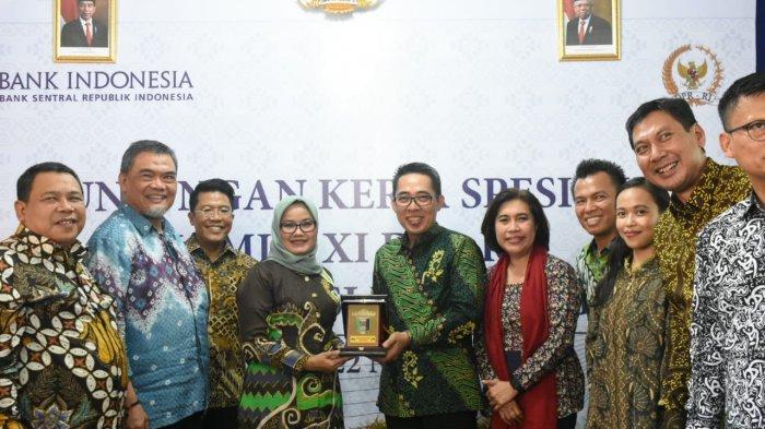 Zaiful Bokhari Beri Sambutan Dalam Acara Dialog Komisi XI DPR RI Bersama Penerimaan Bantuan PSBI