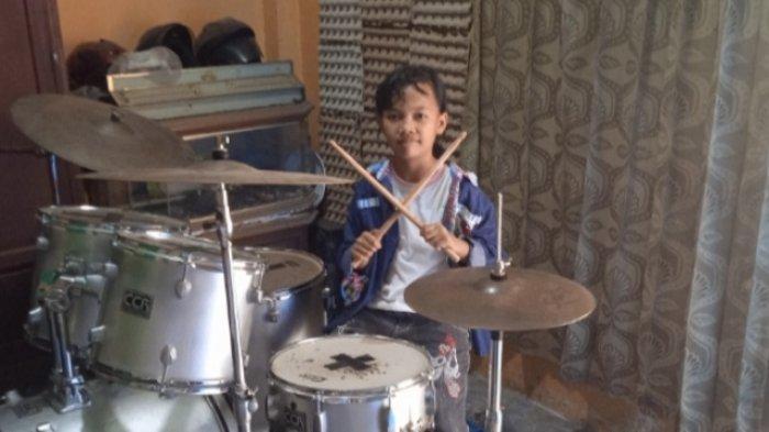 Zaskia, Bocah Perempuan 10 Tahun Asal Lampung Timur Sudah Piawai Bermain Drum