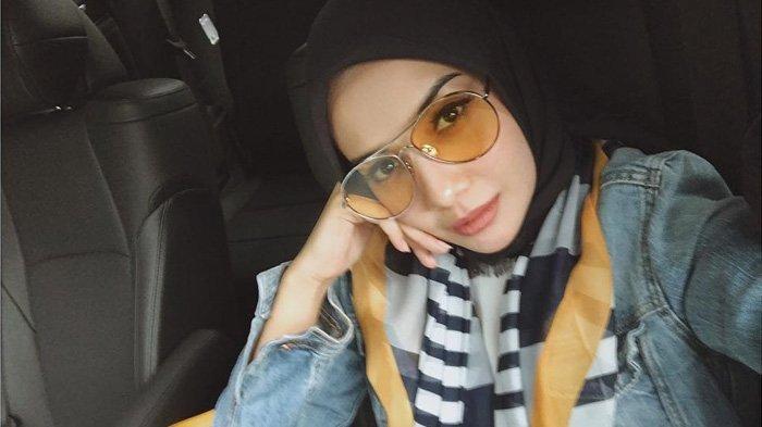 Gendong Anak Shireen Sungkar, Zaskia Sungkar Banjir Doa dari Netizen