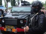 23-terduga-teroris-dikawal-ketat-dipindahkan-ke-mako-koprs-brimbob-kelapa-dua-depok_1.jpg