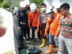 3-pekerja-temukan-mayat-bayi-laki-laki-saat-bersihkan-sampah-di-pintu-penyaringan-air.jpg