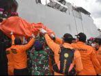 6-keluarga-korban-sriwijaya-air-jakarta-pontianak-jatuh-berangkat-ke-jakarta.jpg