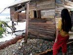 9-rumah-di-tanggamus-rusak-berat-akibat-ombak-air-laut-dan-banjir-rob-6-keluarga-mengungsi.jpg