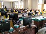 985-mahasiswa-ut-bandar-lampung-belajar-online.jpg