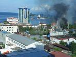 aksi-demo-rusuh-di-jayapura-kantor-telkom-dan-kantor-pos-dibakar-hotel-dilempari-batu.jpg