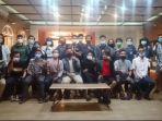 aliansi-mahasiswa-lampung-bergerak-desak-presiden-jokowi-cabut-uu-cipta-kerja.jpg
