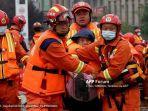 banjir-bandang-di-china-tewaskan-302-orang-dan-puluhan-orang-hilang.jpg