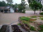 banjir-di-penengahan.jpg