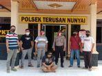 breaking-news-polisi-bekuk-pelaku-pencurian-5-unit-ponsel-di-kantor-pln-bandar-agung.jpg
