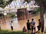breaking-news-warga-tulangbawang-geger-temukan-mayat-bayi-mengapung-di-sungai.jpg