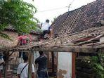 cerita-bocah-satu-tahun-selamat-dari-reruntuhan-rumah-ambruk-diguncang-gempa-di-malang.jpg