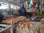 harga-telur-ayam-ras-di-pasar-kota-agung-tembus-rp-26-ribu-per-kg.jpg