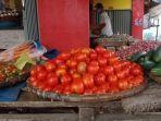 harga-tomat-di-pasar-talang-padang-55.jpg