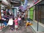 hari-ketiga-lebaran-banyak-warga-bandar-lampung-datangi-kedai-makanan-dan-toko-di-lorong-king.jpg