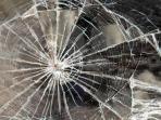 ilustrasi-kecelakaan-mobil_20150603_085713.jpg