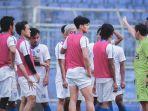 jadwal-liga-1-2021-arema-fc-vs-bhayangkara-fc-eduardo-almeida-himbau-pemain-tak-tergesa-gesa.jpg