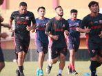 jelang-jadwal-liga-1-2021-skuad-madura-united-berangkat-ke-jakarta-pada-minggu-22-agustus-2021.jpg