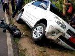 kecelakaan-di-pesawaran-motor-masuk-kolong-randis.jpg