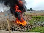 kena-prank-kebakaran-3-unit-damkar-pringsewu-hanya-dapati-pembakaran-ban-bekas.jpg