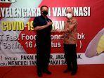 kfc-indonesia-intensifkan-vaksinasi-seluruh-karyawan-gerai.jpg