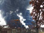 kilang-pertamina-indramayu-terbakar-ada-ledakan-lagi-pasutri-tak-mengungsi-takut-rumah-kemalingan.jpg