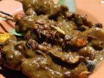 kuliner-jakarta-sate-apjay-yang-menjadi-kuliner-legendaris-sejak-1971.jpg