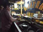 kuliner-lampung-martabak-anto-tawarkan-aneka-rasa-harga-merakyat-mulai-rp-6-ribuan.jpg
