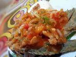 kuliner-lampung-menu-ikan-asam-manis-pedas-jadi-favorit-di-legens-cafe-and-resto.jpg