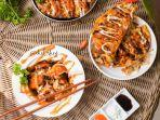kuliner-lampung-oko-takoy-jajakan-makanan-khas-jepang-100-persen-halal-harga-mulai-rp-15-ribu.jpg