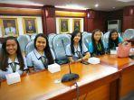 lima-mahasisiwi-philipina-yang-akan-melakukan-kbm-di-bandar-lampung_20180806_103202.jpg