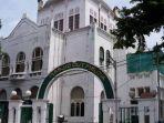 masjid-cut-meutia-jakarta-1.jpg