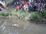 mayat-perempuan-di-sungai-batanghari_20151206_150024.jpg