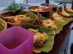 nasi-pincuk-menu-andalan-warung-nasi-pincuk-bude-puji.jpg