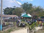 patuhi-aturan-satgas-pengelola-pantai-mutun-pesawaran-batasi-hanya-750-pengunjung.jpg