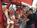 pedagang-daging-sapi-di-pasar-tempel-terminal-rajabasa-bandar-lampung.jpg