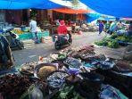 pedagang-ikan-asin-di-pasar-pagi-kotabumi_20180717_153915.jpg