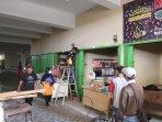 pedagang-mulai-tempati-gedung-baru-pasar-smep-a.jpg