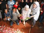pemakaman-briptu-ridho-setiawan_20170526_083944.jpg