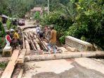 pembangunan-jembatan-darurat_20181002_201108.jpg