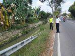 pengaman-jalan-nasional-rusak-jalinbar-km-44-45-pringsewu-rawan-lakalantas.jpg