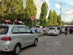 pengguna-jalan-di-pringsewu-kesal-mengantri-akibat-badan-jalan-dipakai-parkir.jpg